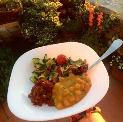 Vegan Cottage - Ein kaltes Gericht serviert an heissen Abenden